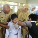 KESEHATAN SOLO : Beralasan Sakit, Belasan Anak Sekolah Tolak Imunisasi MR