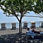 FOTO WISATA KENDAL : Pantai Ngebum Masih Terganggu Sampah