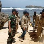 Warga di Pantai Slili Diminta Waspada Ancaman Tsunami