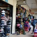 Pedagang di Solo Kembali Berjualan Pascarazia Produk Nike Palsu