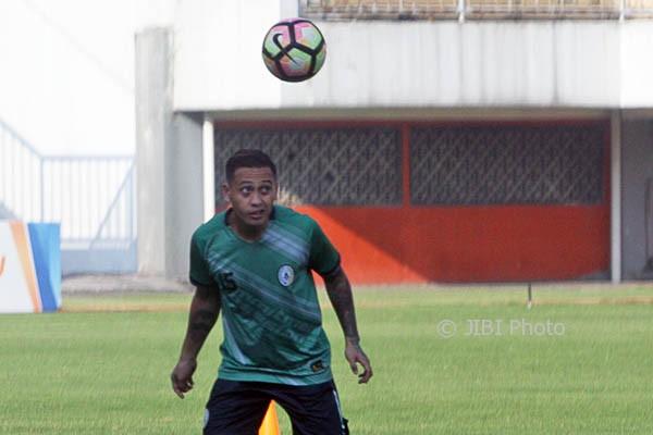Salah satu pemain PSS Sleman, Dirga Lasut. (Jumali/JIBI/Harian Jogja)