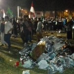 Sampah di Lapangan Pancasila seusai acara Salatiga Bersholawat bersama Habib Syech bin Abdul Qadir Assegaf di Lapangan Pancasila atau yang kerap disebut Pansi, Kota Salatiga, Jateng, Selasa (15/8/2017). (Facebook.com-Anas Wibowo)