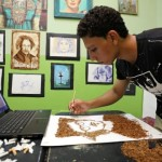 Seniman Mesir Abdelrahman al Habrouk beraksi. (JIBI/Reuters/Mohamed Abd El Ghany)