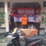 PENIPUAN SOLO : Tilap Motor untuk Pacaran, Pemuda Pengangguran asal Tipes Dihajar Massa