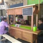 KISAH INSPIRATIF : Pedagang Hik Klaten Ini Bersedekah Tiap Jumat dengan Menggratiskan Dagangan