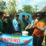 KEKERINGAN SUKOHARJO : Debit Pamsimas Berkurang, Warga Weru Ngangsu Air Sejauh 3 Km