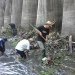 INFRASTRUKTUR SOLO : Masuk Musim Hujan, Pintu Air Demangan Banjir Kiriman Sampah