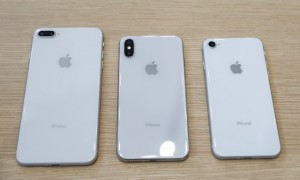 Iphone 8 Plus, Iphone X and Iphone 8. (JIBI/Reuters/Stephen Lam)