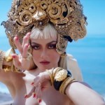 "Seksi Menggoda, Video Klip ""Long As I Get Paid"" Agnez Mo Tuai Kontroversi"
