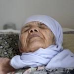 Bibihal Uzbeki, pengungsi tertua di dunia (Theguardian.com)
