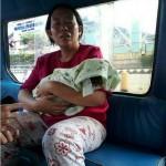 KISAH TRAGIS : Naik Angkutan Umum, Ibu Ini Bawa Pulang Jenazah Bayinya
