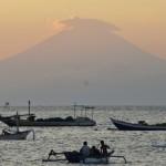 Gunung Agung Bali Munculkan Rentetan Gempa Tremor, Tanda Magma Kian Aktif