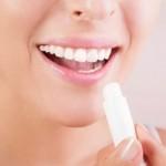 TIPS KECANTIKAN : Lip Balm Bikin Bibir Kering Makin Parah? Ini Sebabnya