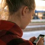 TIPS CINTA : Hati-Hati! Stalking di Media Sosial Bikin Hubungan Jadi Runyam