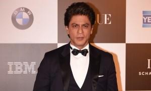 Shah Rukh Khan di red carpet Vogue Women of The Year Awards 2017 (Vogue)