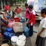 FOTO KEMARAU 2017 : PMI Setia Kirim Air ke Grobogan