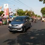 Duh, Mobil dan Sepeda Motor Masih Melintas di CFD Jl. Juanda Solo