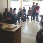 Merasa Ditipu, Puluhan Calon Jemaah Umrah Hannien Tour Mengadu ke Polresta Solo