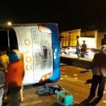 KECELAKAAN KENDAL : Sopir Kurang Konsentrasi, Bus Coyo Terguling di Gemuh