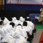 Foto Kapolda Jateng Kuliahi Mahasiswa Kudus