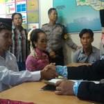 Dedi Saputro, tersangka kasus pencurian genset, Kamis (14/9/2017), menjalani akad nikah di Mapolsek Semarang Selatan. (JIBI/Solopos/Antara/I.C.Senjaya)