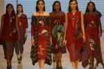 Desainer Solo Angkat Kemewahan Lukis Jepang dalam Kain Etnik Nusantara