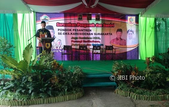 Gubernur Jawa Tengah, Ganjar Pranowo, di acara Sarasehan Pengasuh dan Santri Pondok Pesantren (Ponpes) se-Soloraya di Selogiri, Wonogiri, Rabu (4/10/2017). (Rudi Hartono/JIBI/Solopos)