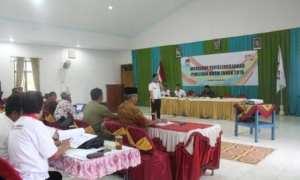 Ketua KPU Wonogiri, Mat Nawir, berbicara dalam Workshop Penyelenggaraan Pemilu 2019 di rumah makan Sari Rasa, Ngadirojo, Selasa (24/10/2017). (Ahmad Wakid/JIBI/Solopos)