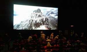 Suasana nonton bareng film Negeri Dongeng produksi Aksa 7 yang diputar dalam acara nonton bareng (nobar) di Grand 21 Solo Grand Mall, Selasa (24/10/2017). (Ika Yuniati/JIBI/Solopos)