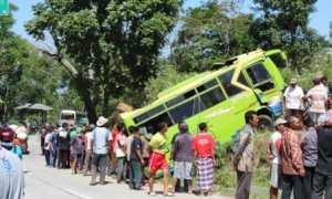 Bus Sayur Agung jurusan Selo-Boyolali yang mengalami kecelakaan di Desa Kadipiro, Kecamatan Cepogo, Boyolali Selasa (31/10/2017). (Akhmad Ludiyanto/JIBI/Solopos)