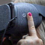 Gandeng Google, Lenovo Produksi Headset VR Daydream Mirage Solo