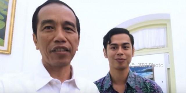 Jokowi bersama Surya Sahetapy. (Istimewa/Youtube)