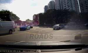 Momen-momen kecelakaan mobil yang tak terlihat dari kamera (Facebook)