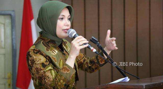 Ketua Dewan Kerajinan Nasional Daerah (Dekranasda) Jawa Tengah Siti Atikoh Ganjar Pranowo. (Facebook.com-Eko Gustini Wardani Pramukawati)