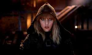 Taylor Swift berperan sebagai penyihir di klip Ready For It (Youtube)