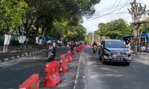 Water Barrier di Jalan Abu Bakar Ali Jogja akan digantikan dengan pembatas permanen, Jumat (20/10/2017). (Beny Prasetya/JIBI/Harian Jogja)
