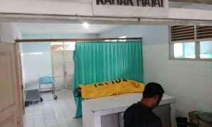 Jenazah Siti Munawarotun, warga Podosoko, Sawangan, Magelang, berada di kamar mayat RS Pandan Arang (RSPA) Boyolali, Sabtu (28/10/2017). Siti ditemukan meninggal dengan luka di leher diduga menjadi korban perampokan. (Akhmad Ludiyanto/JIBI/Solopos)