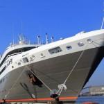 Angkut Ratusan Turis, Kapal Prancis Merapat di Tanjung Emas