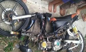 Kondisi sepeda motor yang terlibat tabrakan di Desa Klepu, Kecamatan Pringapus, Kabupaten Semarang, Jateng, Kamis (6/10/2017) sore. (Facebook.com-Riefal Yusril Alviando)