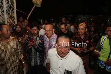 Politikus Ruhut Sitompul di acara midodareni Kahiyang di Solo, Selasa (7/11/2017) malam. (Nicolaus Irawan/JIBI/Solopos)