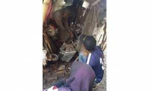 Painem, 95, berada di dalam gubuk reyotnya di Desa Pomahan, Sambi, Boyolali, Senin (20/11/2017). (Istimewa/ Tim Sukarelawan Boyolali)