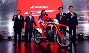 AHMMemperkenalkan sepeda motor terbaru All New Honda CRF150L sebagai motor on-off sport sejati di The Springs Club, BSD (9/11/2017). (Istimewa/Astra-Honda)