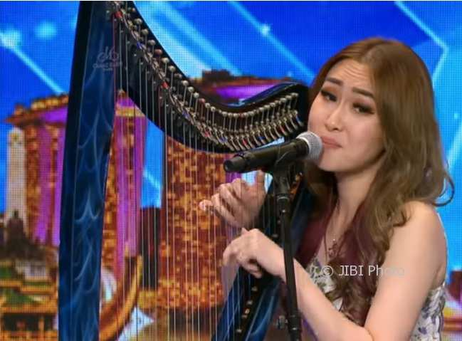 Angela July saat tampil di Asia's Got Talent (Youtube)