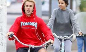 Justin Bieber dan Selena Gomez bersepeda bersama (Huffingtonpost.com)
