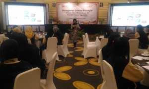 Para tenaga kerja Indonesia (TKI) mengikuti seminar Peningkatan Literasi Keuangan di Hotel Saphir Jogja, Selasa (28/11/2017). (Harian Jogja/Bernadheta Dian Saraswati)