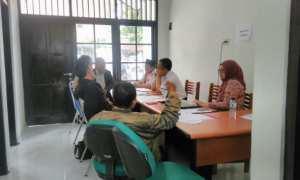 Sejumlah peserta seleksi Panwascam menyampaikan keluhannya soal proses dan hasil seleksi ke Kantor Panwaslu Sleman, Senin (13/11/2017). (Sekar Langit Nariswari/JIBI/Harian Jogja).