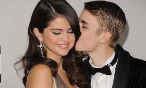 Selena Gomez dan Justin Bieber (People)