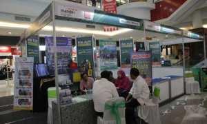 Bank Syariah Mandiri - Perpuni mengadakan Umroh Travel Fair di atrium Solosquare, Jumat (3/11/2017). (Sunaryo HB/JIBI/Solopos)