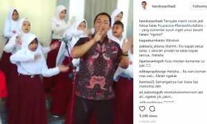 Potongan rekaman video Wali Kota Semarang Hendrar Prihadi bernyanyi bersama sejumlah pelajar SD. (Instagram-@hendrarprihadi)