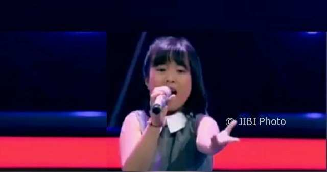 Jocelyn Elena alias Joy, 8, peserta The Voice Kids Indonesia Season 2 asal Kota Semarang, Jateng. (Instagram-@joy_elen)